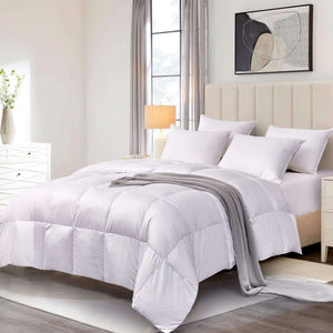 Scott Living White Down Fiber Comforter