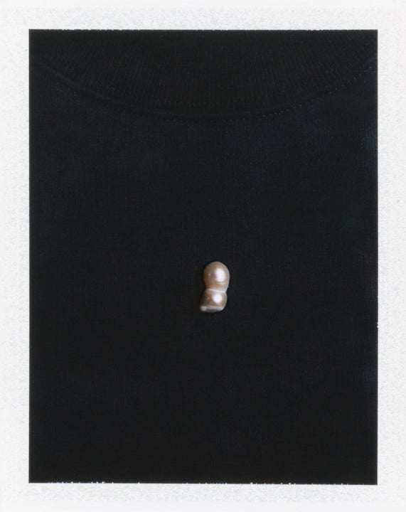 Load image into Gallery viewer, Sweatshirt w/ pearl