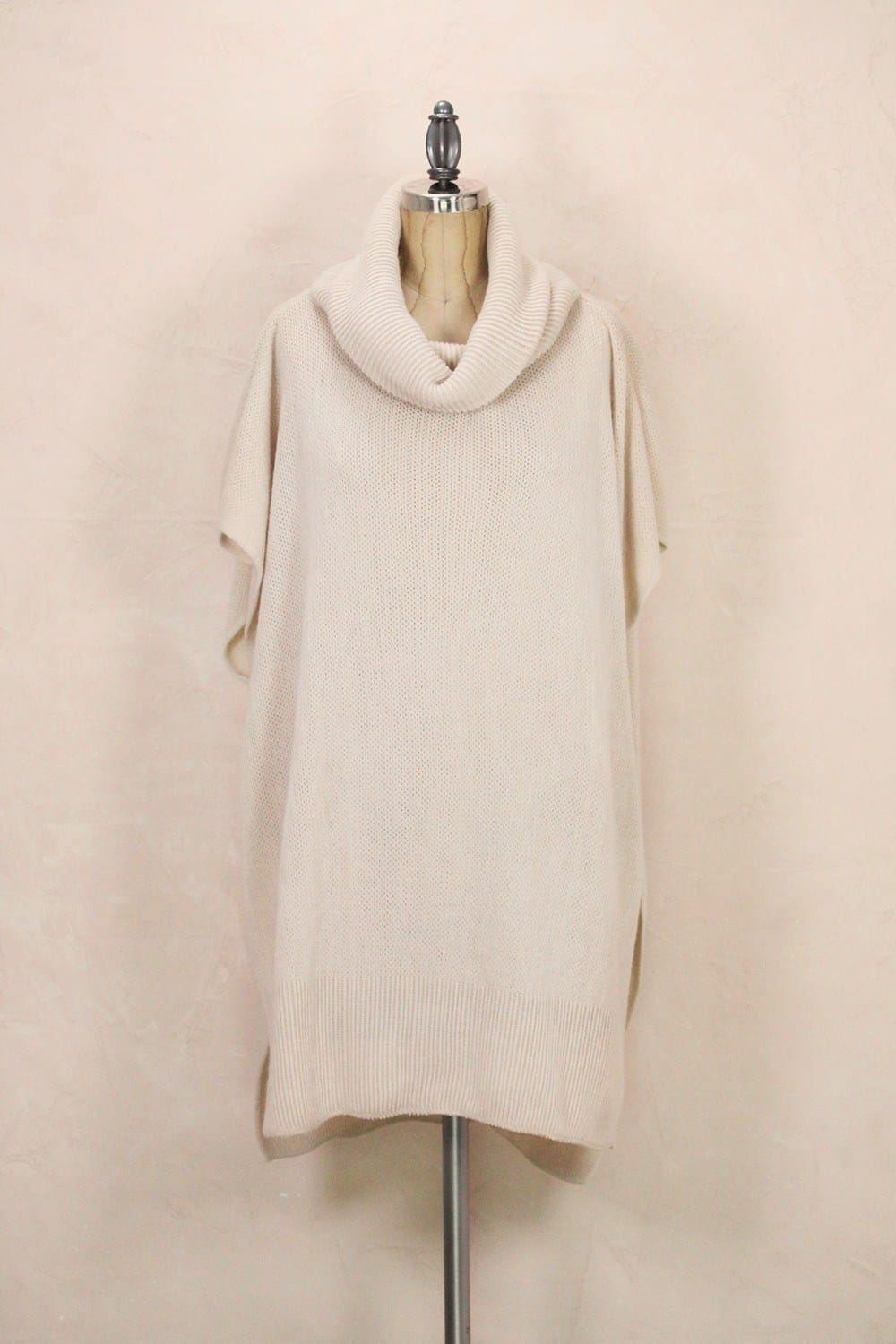 LOOK_BY_M_SOLID_KNIT_TURTLENECK_PONCHO_BEIGE_MSF1296_IVORY
