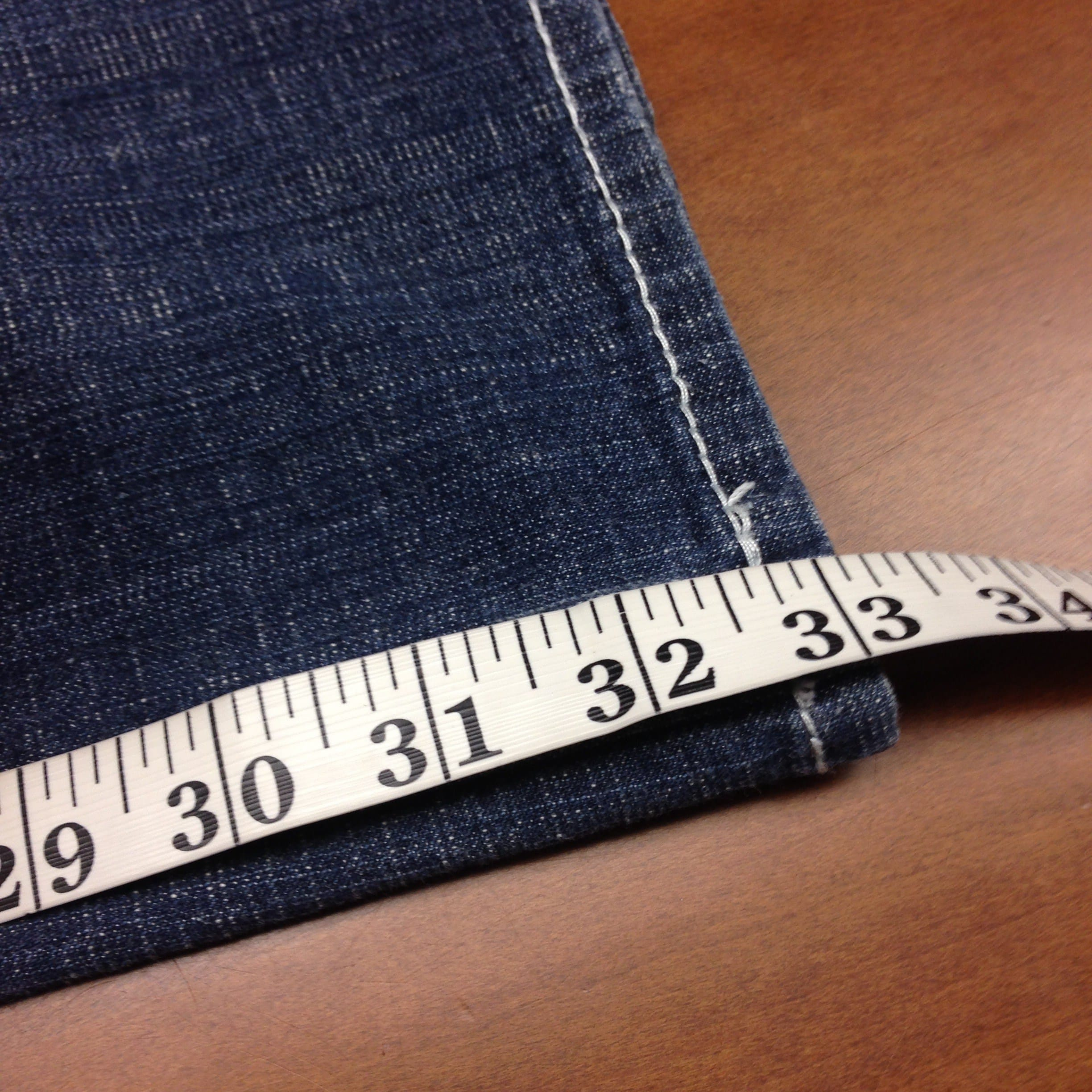 measuring-for-hemming-your-jeans