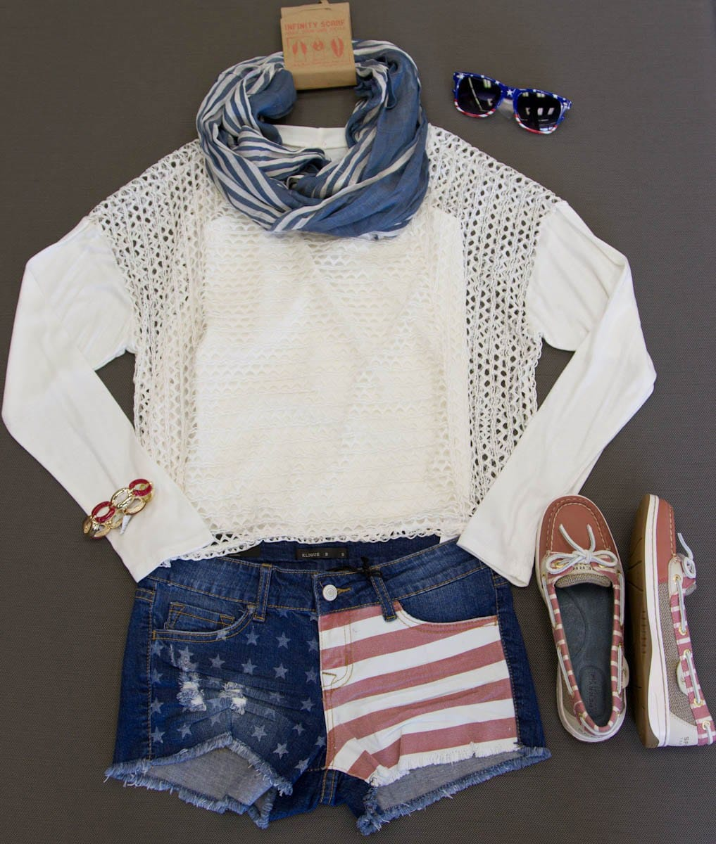 Mesh and Red, White, and Blue are ways you can add to your Nautical inspired look.