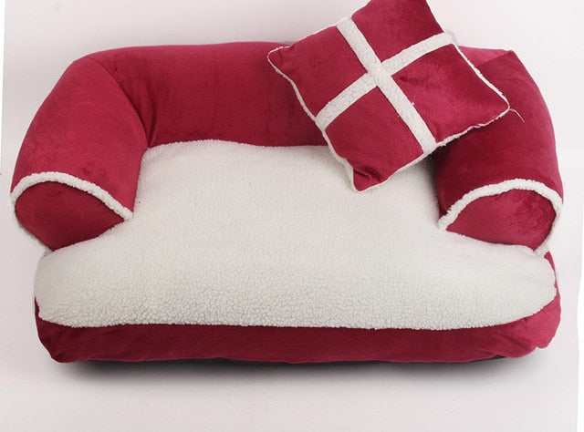 Warm double-cushion bed