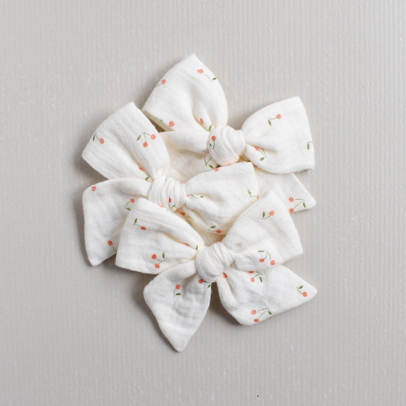 Large Pinwheel Bow // Cherry Kisses