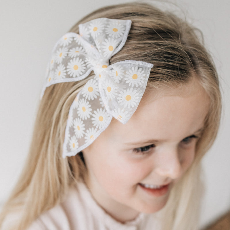 Fable Bow // Sheer Daisies