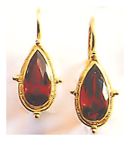 Dorrit Garnet Earrings