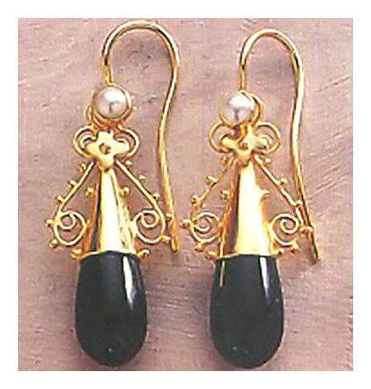 Salome 14k Gold, Onyx and Pearl Earrings