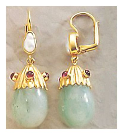 Yelena Egg Earrings