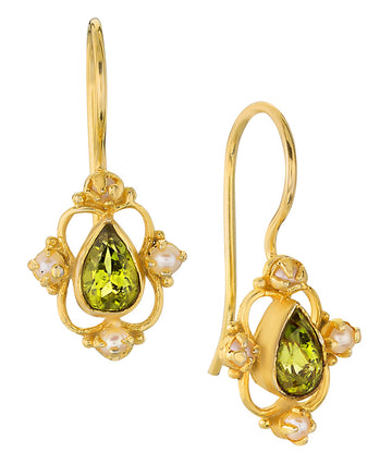 Daphne Dearheart Peridot and Pearl Earrings