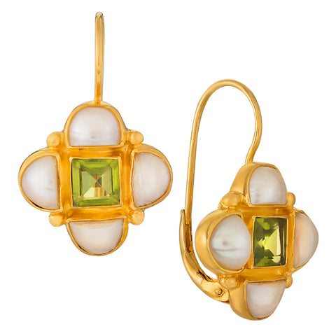 Mona Lisa Peridot & Pearl Earrings