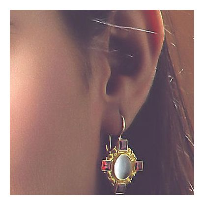 Queen Bess Moon Stone & Garnet earrings