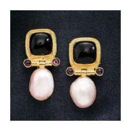 14k Arnsworth Castle Onyx, Pearl, & Garnet Earrings