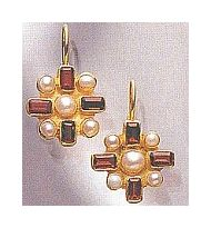 14k Garnet Chamber Earrings