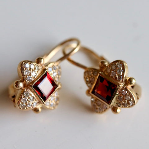 Duchess Of York Earrings: Garnet, Diamonds and 14k Gold