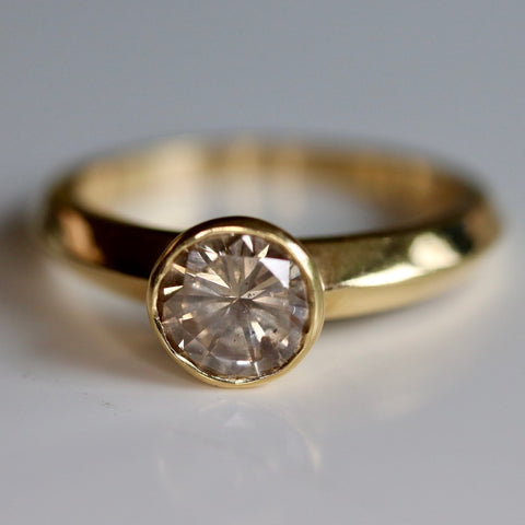 14k Classic Diamond Ring