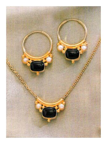 Set of Othello Onyx and Pearl Earrings and Necklace