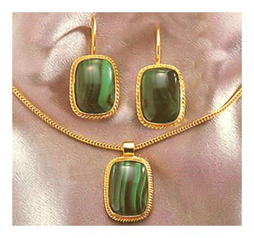 Set of Middle Kingdom Malachite Earrings and Necklace