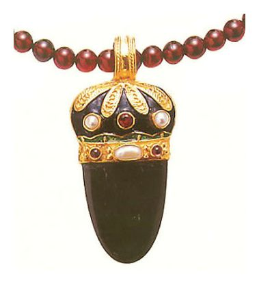 Nicholas I Onyx, Garnet and Pearl Necklace