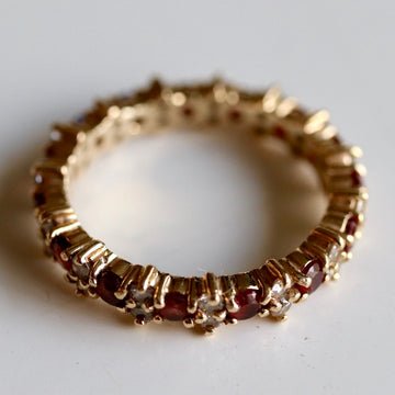 Roses are Red 14k Gold, Diamond and Garnet Eternity Band