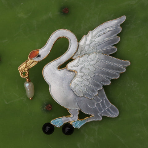 Beautiful Swan Pearl and Onyx Brooch