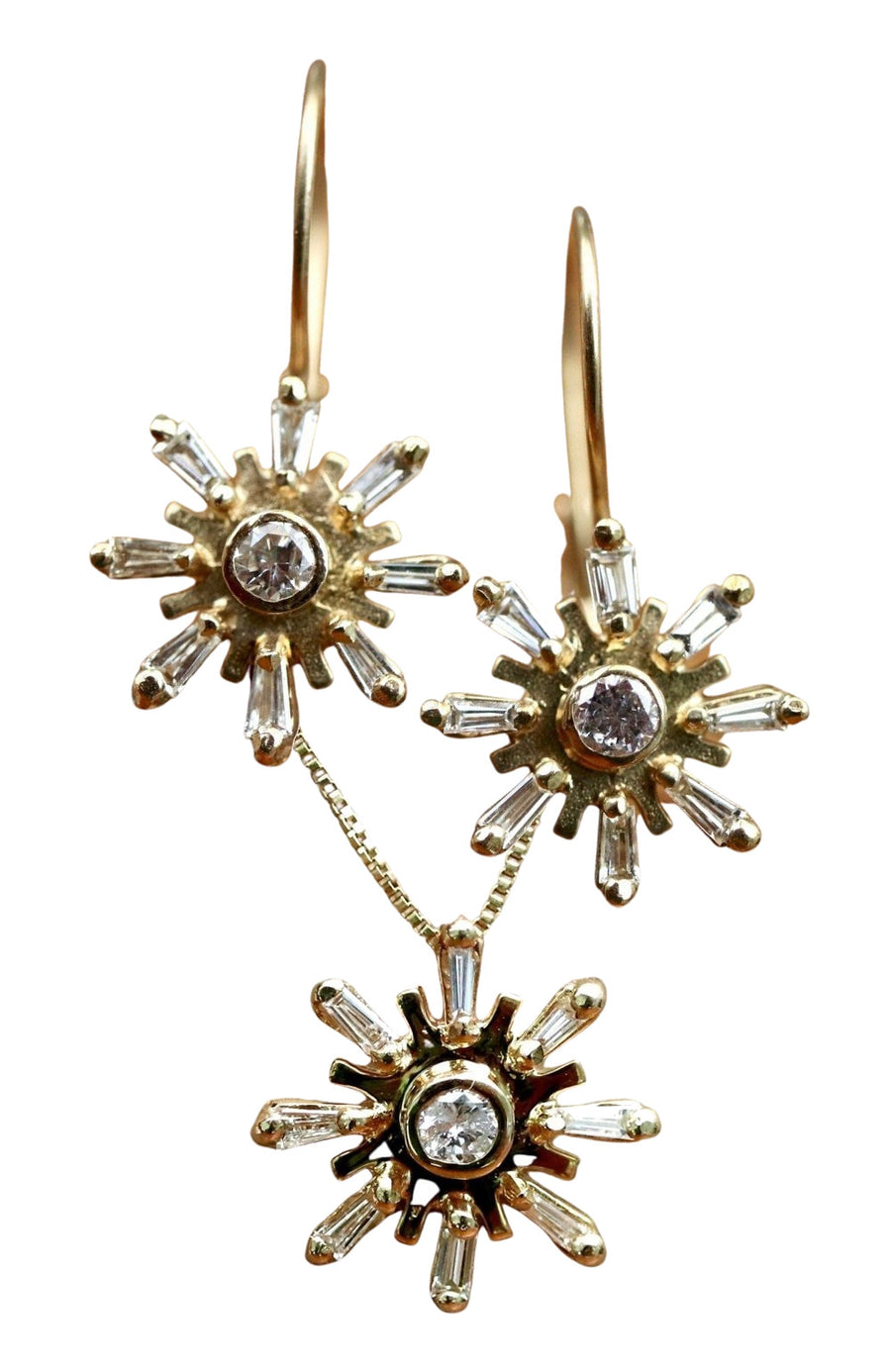 La Traviata 14k Gold and Diamond Earring and Necklace Set