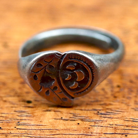 Antique Qing Dynasty Ring