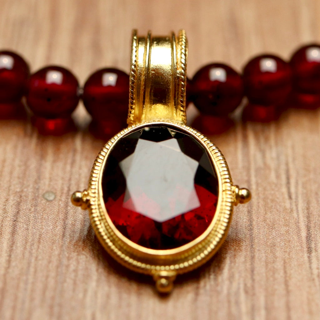 Violetta Garnet Necklace