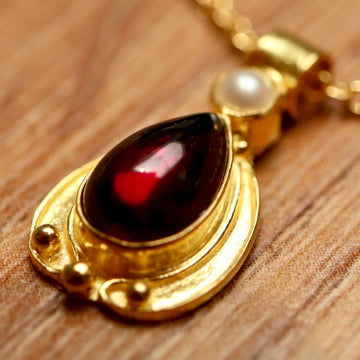Lamplight 14k Gold and Garnet Necklace
