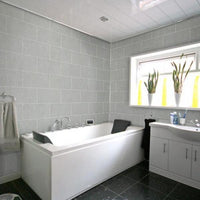 Bathroom made of Dumalock Galet Light Grey Panels