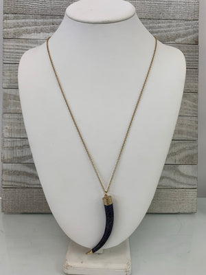 Gold horn necklace - Sissy Boutique