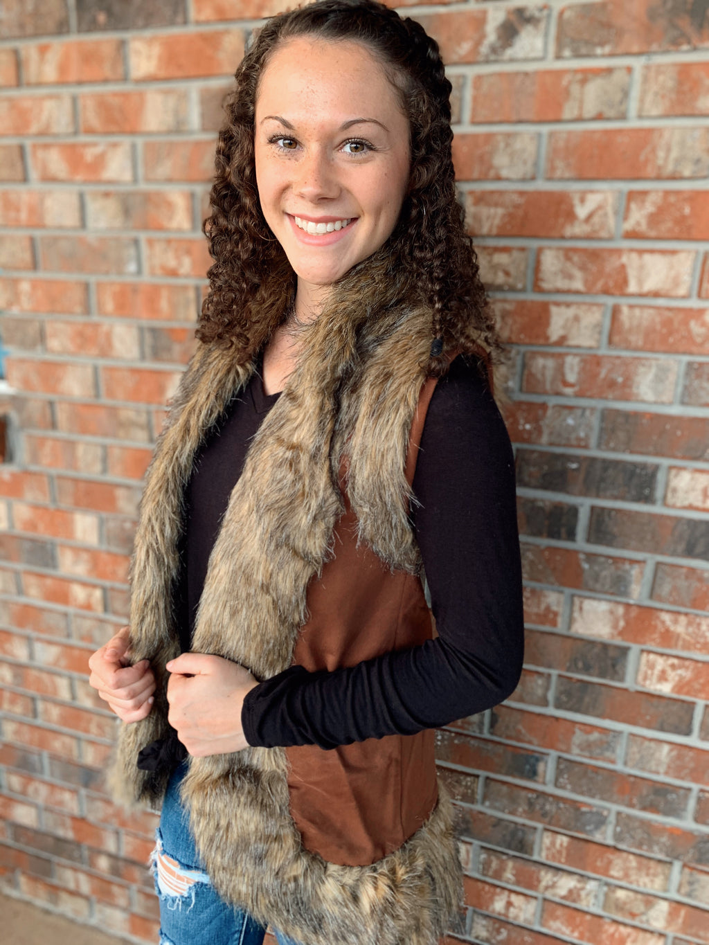 Leather and Fur Vest - Sissy Boutique