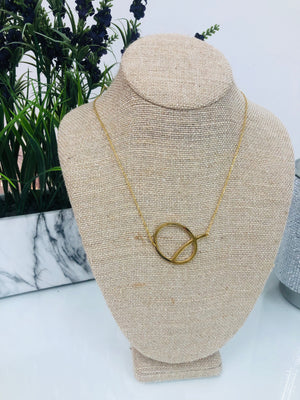 Gold Initial Necklace - Q - Sissy Boutique