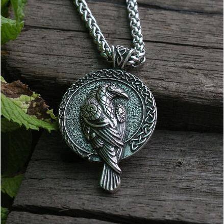 veg-visir, , RAVEN WITH CELTIC KNOT NECKLACE, Jewels, Jewelry, Vikings, Norse - Veg-Visir