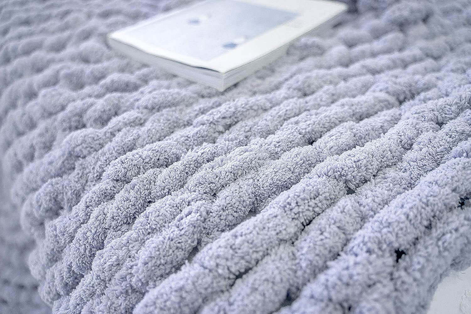 Chunky Knit Blanket - Beautiful Home Decor Throw - Soft Chenille Yarn