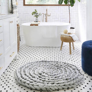 Chunky knitting Dog Bed Rug | Hand Braided Round Rug