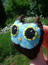 Load image into Gallery viewer, Owl Baby Pin - Eco-friendly Handsewn Felt Plush Owl Brooch/Pin