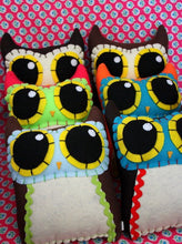Load image into Gallery viewer, Owl Mama - Eco-friendly Felt Plush Owl