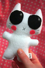 Load image into Gallery viewer, Minou Kitty - Eco-friendly Felt Plush Kitty