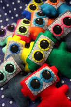 Load image into Gallery viewer, Little Robot - Eco-friendly Felt Plush Robot