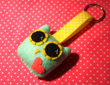 Load image into Gallery viewer, Owly Love Keychain - Eco-friendly Felt Plush Owl Keychain