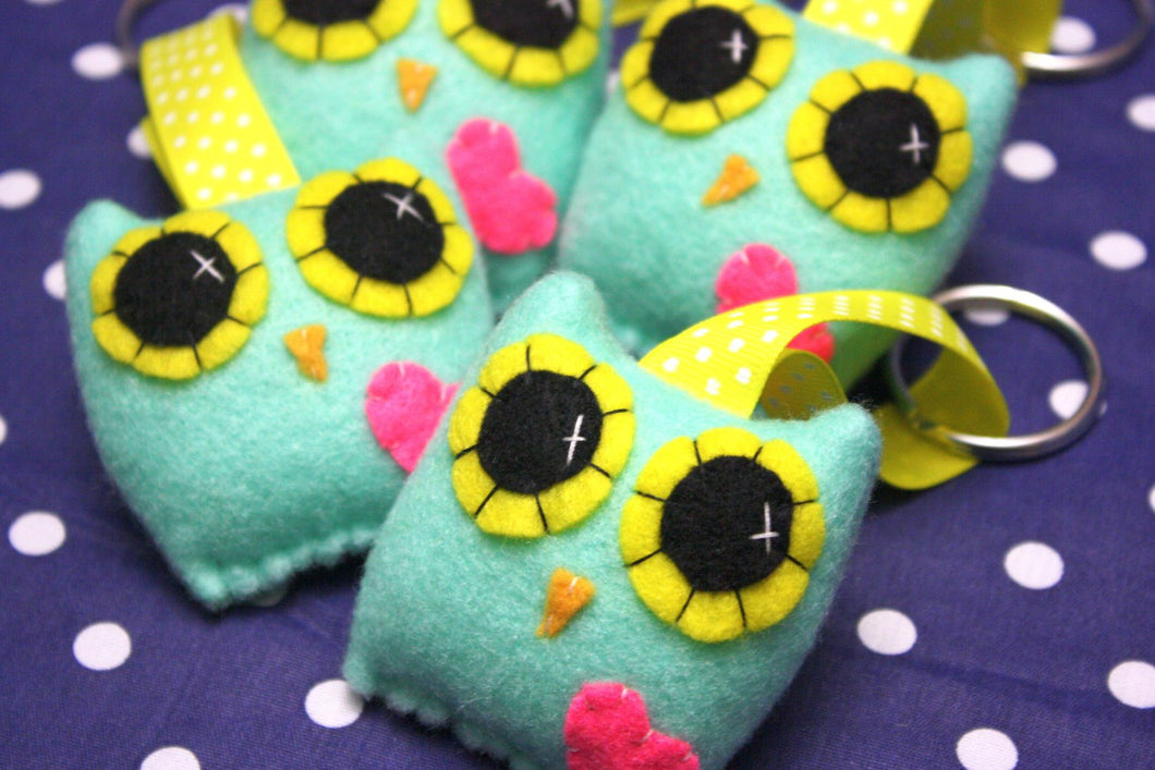 Owly Love Keychain - Eco-friendly Felt Plush Owl Keychain