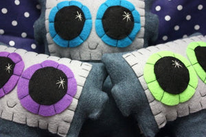 Needling Robot - Eco-friendly Felt Plush Robot with Big Kawaii Lime Green Eyes
