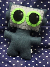 Load image into Gallery viewer, Needling Robot - Eco-friendly Felt Plush Robot with Big Kawaii Lime Green Eyes