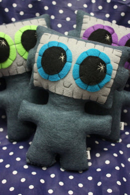 Needling Robot - Eco-friendly Felt Plush Robot with Big Kawaii Turquoise Eyes