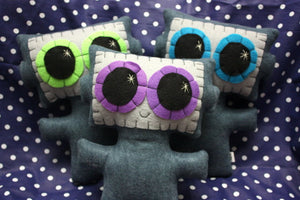 Needling Robot - Eco-friendly Felt Plush Robot with Big Kawaii Purple Eyes