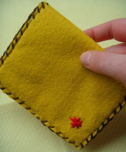 Load image into Gallery viewer, Happy Mushy Snap Pouch - Eco-friendly Felt Mushroom Wallet/Pouch