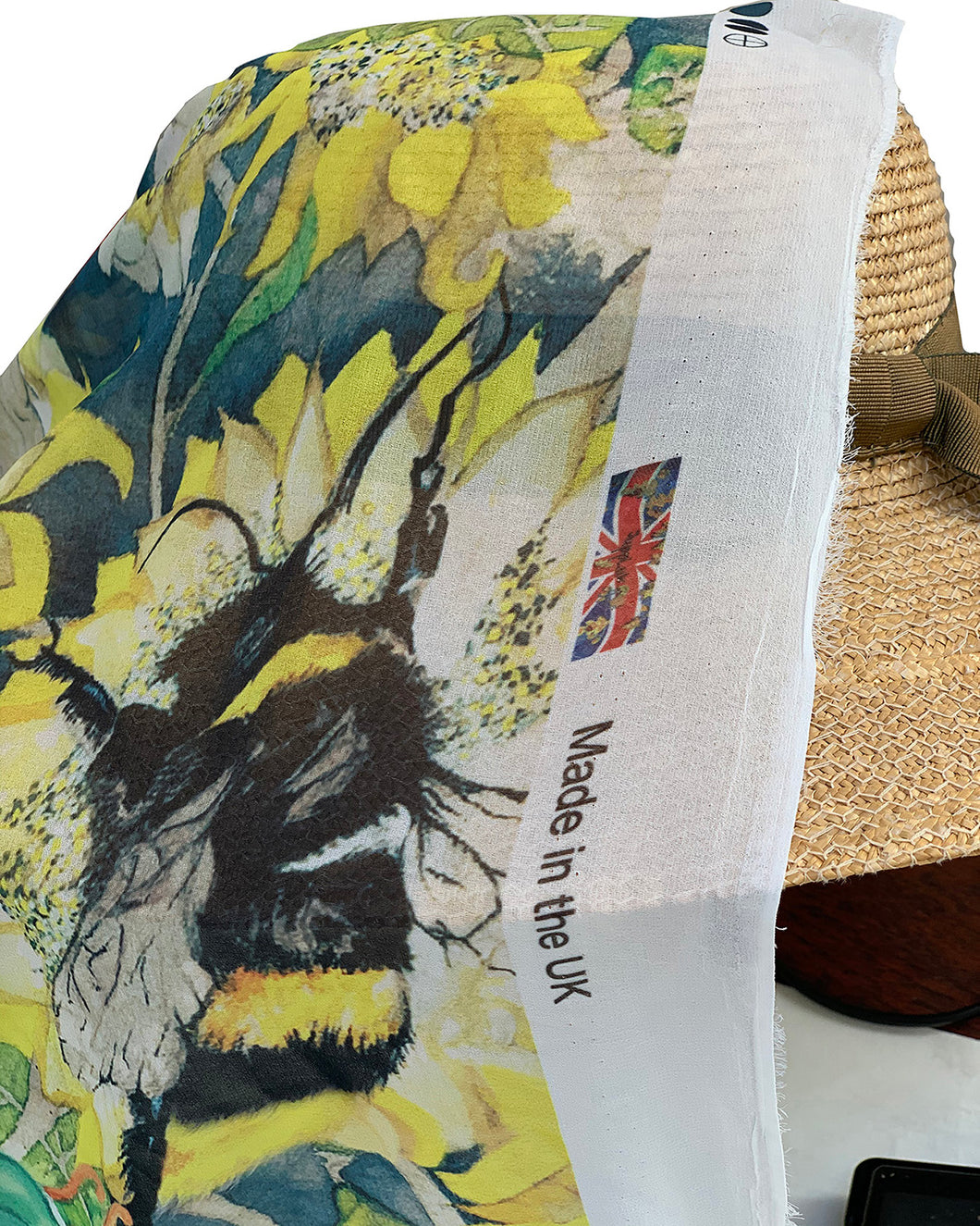 Poly Georgette - Large Busy Bees 1 meter remaining - PG_15