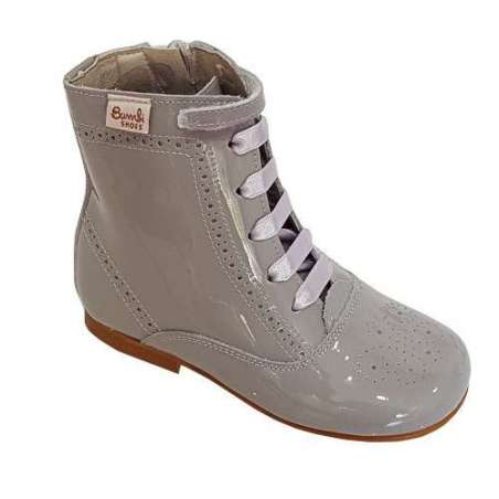 Lace-up boots in patent (various colours)