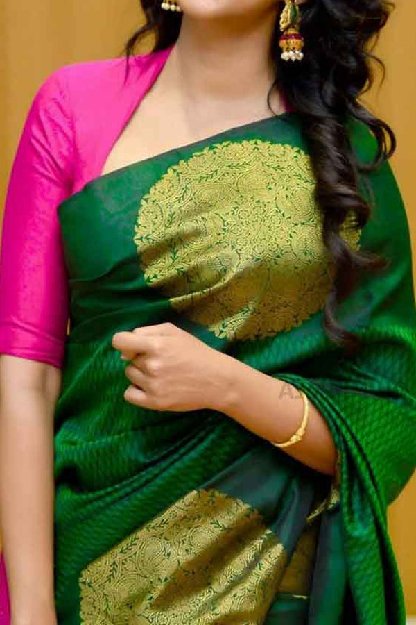 Green Colored Traditional Silk Saree With Blouse For Women - CD425