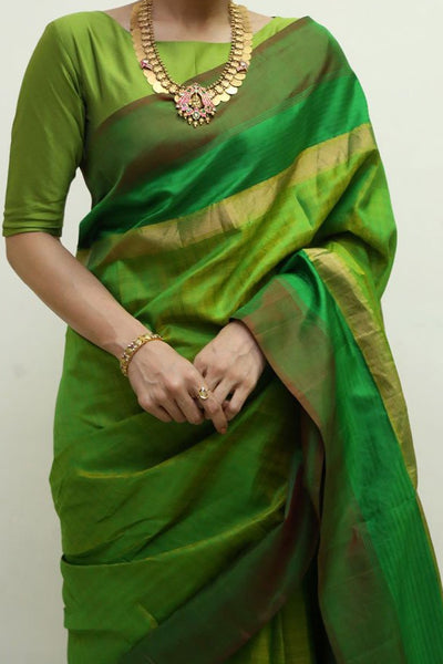 Green Colored Traditional Silk Saree With Blouse For Women - CD439
