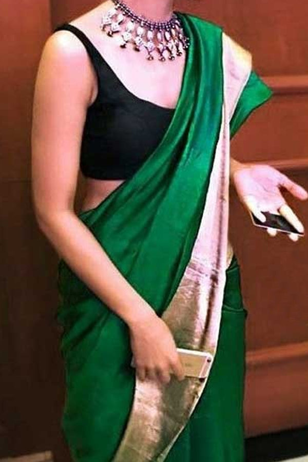 Green Colored Traditional Silk Saree With Blouse For Women - CD478